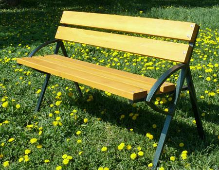 Садовые скамейки из металла на фото